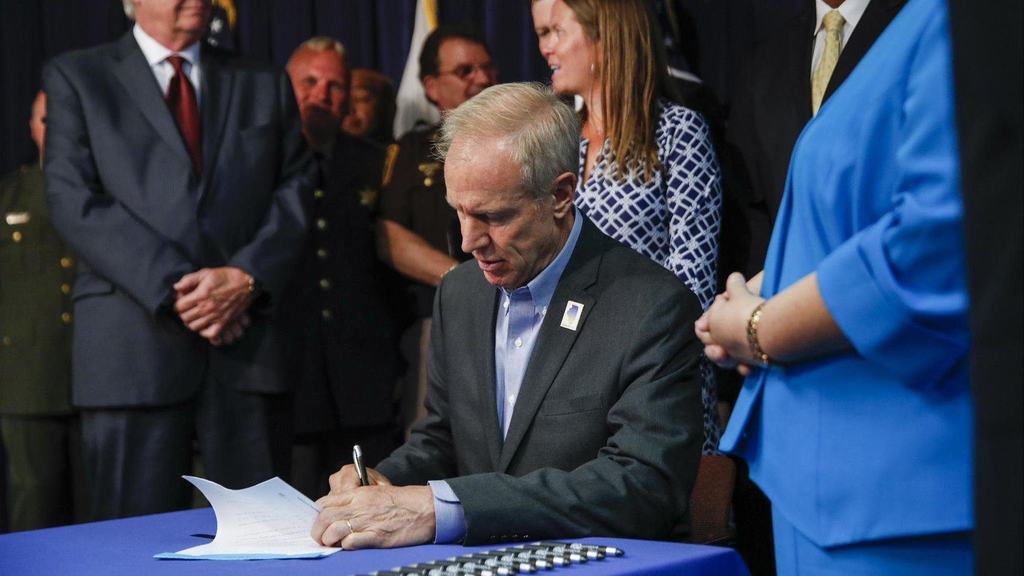 Rauner set to sign medical marijuana expansion bill allowing drug as painkiller alternative