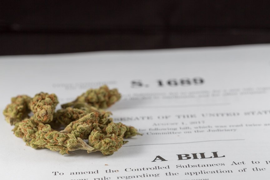 Marijuana Licensing Bill Has 'Negligible' Fiscal Impacts, Congressional Budget Office Says
