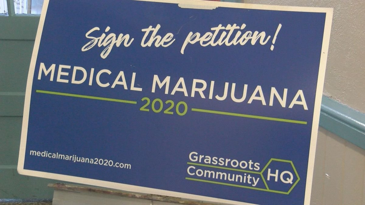 Mississippi mayor helps collect signatures to legalize medical marijuana