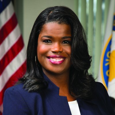 "Cook County Illinois: State's Attorney announced her support for legalizing cannabis and tweeted that her office will ""begin the process to expunge all misdemeanor marijuana convictions."""