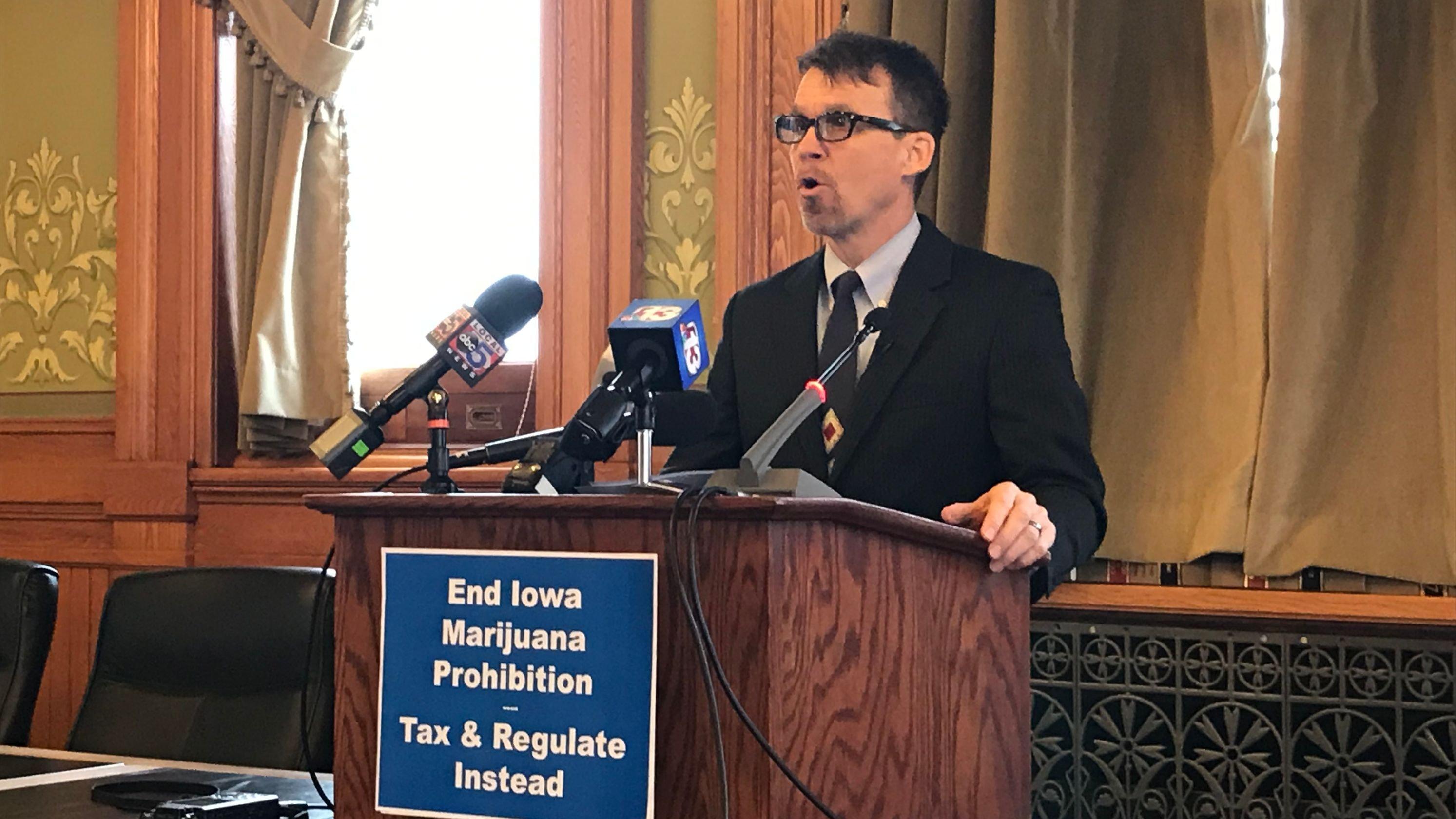 Iowa senator's plan for recreational marijuana would tax buds like beer