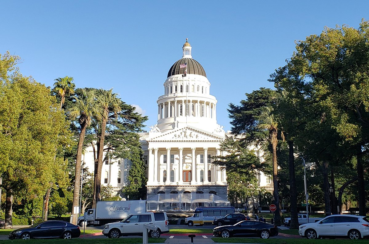 California Senate approves bill to extend temporary cannabis licenses
