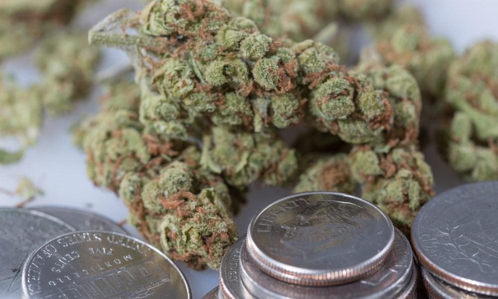 20 Bipartisan Governors Urge Congress To Pass Marijuana Banking Bill